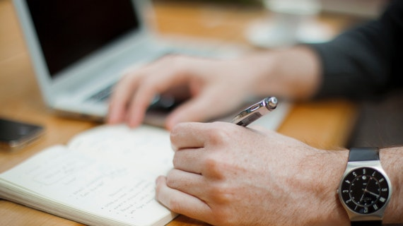 Taking notes during a virtual interview