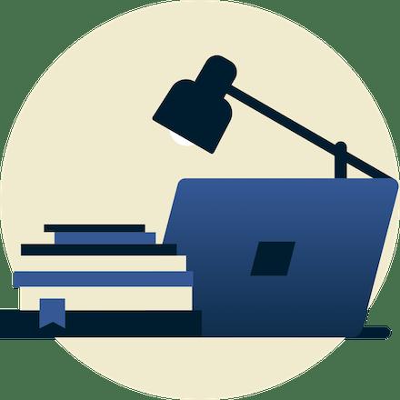 Lampe over skolebøker og bærbar PC vendt bort fra deg.