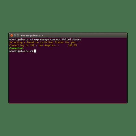 ExpressVPN สำหรับ Linux ในเทอร์มินัล Ubuntu แสดงการเชื่อมต่อกับเซิร์ฟเวอร์ VPN ของสหรัฐอเมริกา